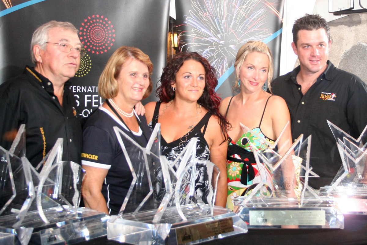 Royal Pyrotechnie - Remise de trophée La Ronde 2009